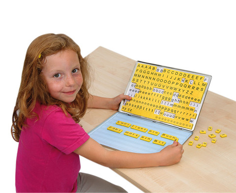 Betzold Lese-Magnetbox mit 32 Arbeitsblaettern