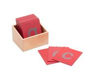 Fühl-Kleinbuchstaben mit Holzkasten