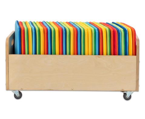 Mobiler Kissenwagen mit 32 quadratischen Sitzkissen