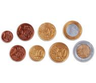 80 Münzen, sortiert im Beutel